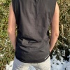 Sleeveless-TShirt-Henne3